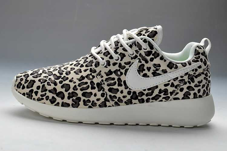 sports shoes c6c0b 32d6a Acheter Nike Roshe Run Femme Oct1854
